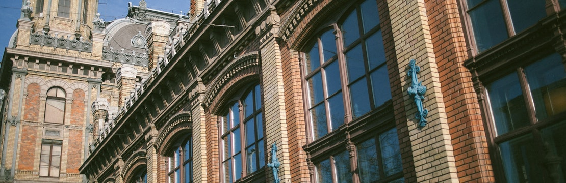 Vacuum Double Glazing in Listed Buildings